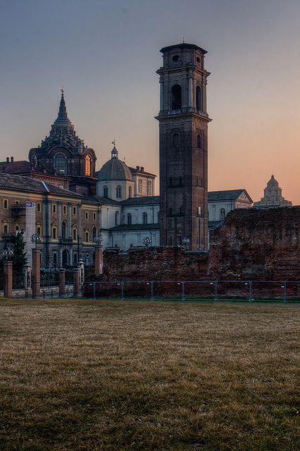 Torino. Oltre le mura (romane)