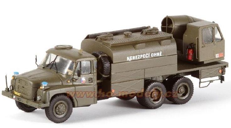 Precizní resinový model s leptanými kovovými díly Tatra T 148 TZ-74 dekontaminační vozidlo
