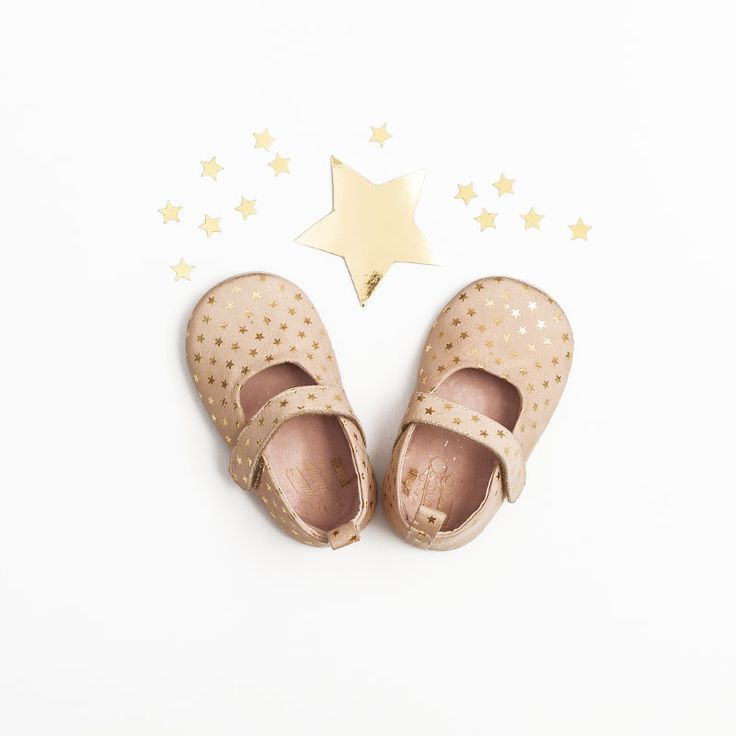 Fashion for baby girl #shoes #elegantfashion ##babygirlsahion #fashionkids #fashionbaby #specialoccasions #SpecialOC #OFFCORSS