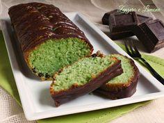 Questoplumcake menta e cioccolato èun dolce sfizioso e invitante che suscita sempre stupore quando lo si offre. Perfetto a fine pasto o a merenda.