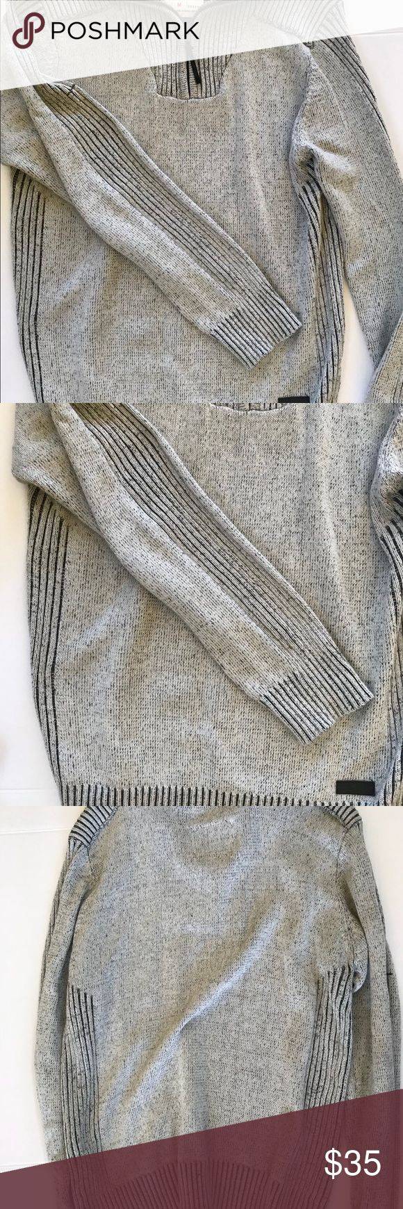 Projek Raw Gray Color 1/4 Zip Sweater M Projek Raw Gray Exposed Seam Heather Gray Color 1/4 Zip Sweater M  Measurments  Arm pit to arm pit 19 Arm pit to end of Sleeve 19 top to bottom 27  100% Cotton projek Sweaters Zip Up