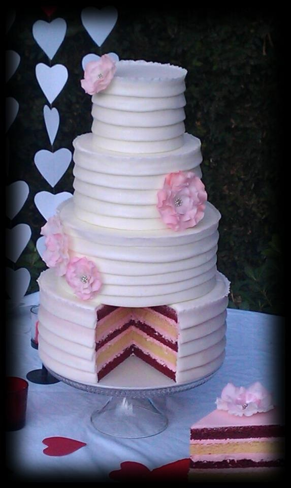 valentine wedding cakes 17 best images about s day weddings on 21524