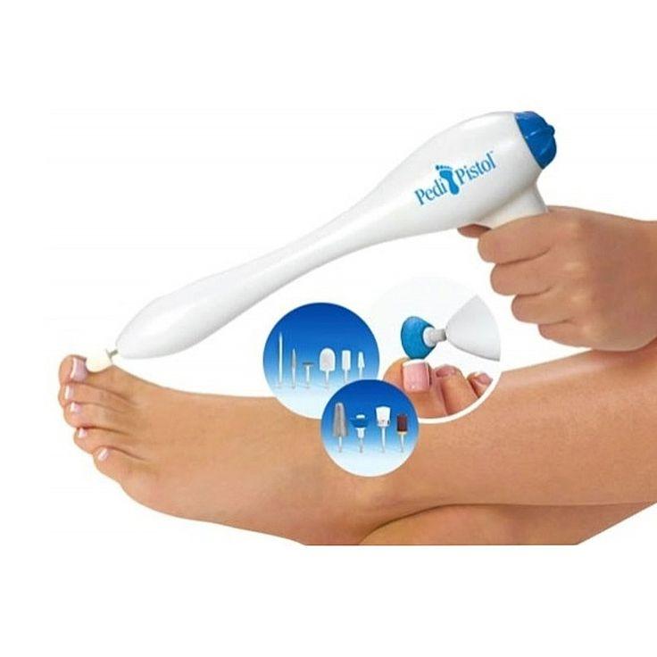 Φροντίστε τα νύχια των ποδιών σας μόνοι σας στο σπίτι, εύκολα, γρήγορα και ανέξοδα και κυρίως χωρίς να αναγκάζεστε να σκύβετε! Ιδανική συσκευή για περιποίηση κάλων, νυχιών και σκληρών σημείων.  Η συσκευασία περιλαμβάνει 10 κεφαλές:  Επαγγελματικό κώνο ποδιών: Μειώνει το πάχος των νυχιών και τους μικρούς κάλους.  Σατέν βουρτσάκι: Αφαιρεί την σκόνη των νυχιών και βοηθά στην εφαρμογή ελαίων και κρεμών.  Κυλινδρικό κώνο: Για άκρες όπου είναι δύσκολο να φτάσετε.  Σφαιρικό κώνο: Αφαιρεί τις…