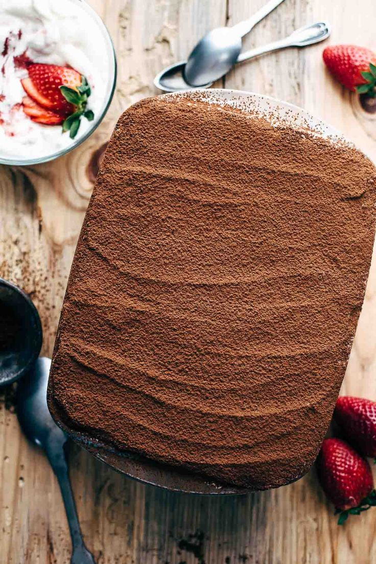 SUPER CREAMY CHOCOLATE STRAWBERRY TIRAMISU    This Chocolate Strawberry Tiramisu recipe is what chocolate and strawberry lovers dreams are made of. Super creamy. Just 9 ingredients.