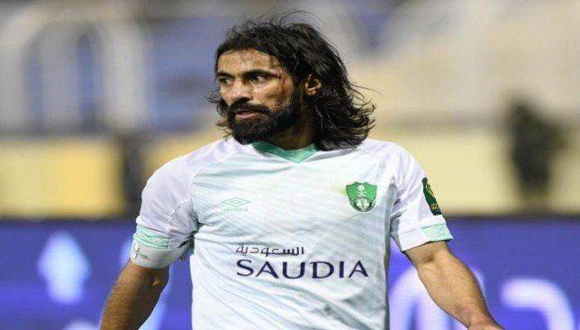 تصرف إنساني رائع من قائد الأهلي السعودي لمواجهة كورونا صورة Mens Tshirts Mens Tops Mens Graphic Tshirt