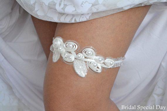 Wedding Garter White Bridal Garter With Tulle by BridalSpecialDay, €24.00