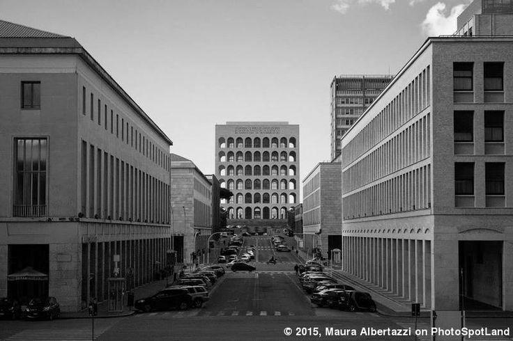 """""""Architettura rigorosa"""", #EUR #Rome, #Italy. PhotoSpot by Maura Albertazzi on www.photospotland.com/spots/337 #black&white #black&whitephotography #photography #spot #photospotland"""