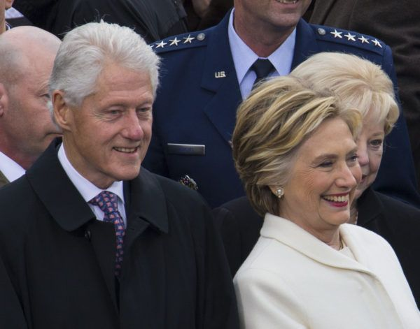 Bill And Hillary Clinton's Guest House Found With Body Of Waitress After Fire Is Fake News