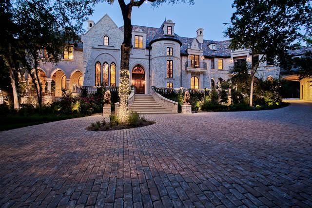 The unique M Mansion from Dallas, Texas