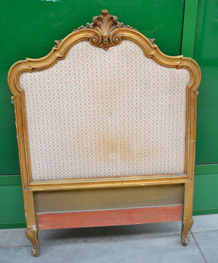 Testata di letto anni '30 in legno dolce scolpito e dorato