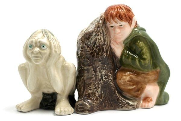 Saleiros e pimenteiros em forma de estátuas dos personagens de O Senhor dos Anéis
