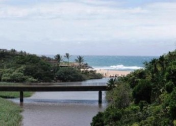Ideal family holiday self-catering accommodation in Margate on the KZN coast with splendid sea-views.