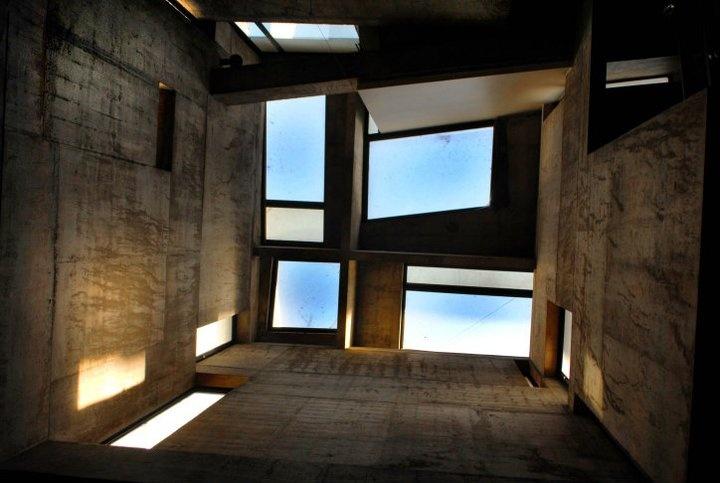 ( Interior del Museo Xul Solar, en Laprida 1214, Buenos Aires, Capital Federal.  Teléfono: 011 4821-5378 )