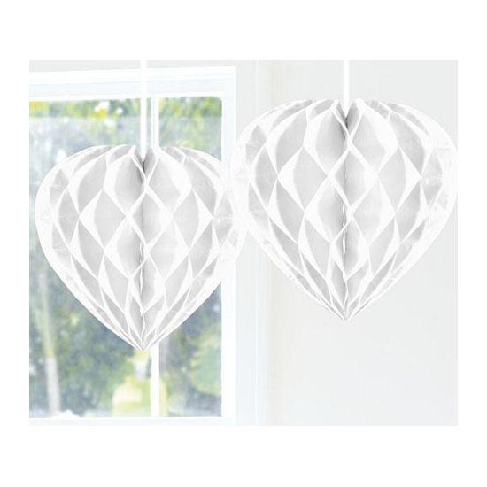 Witte harten van ongeveer 30 cm., ideaal om de trouwzaal mee te versieren.