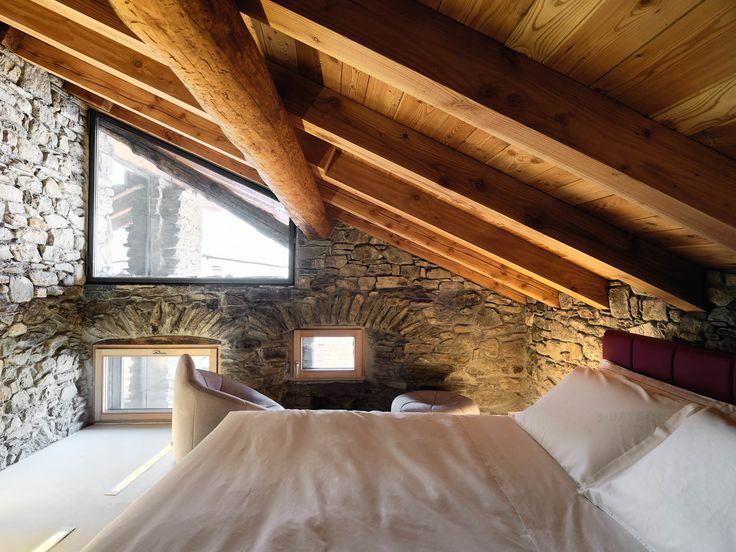 10 best interni case in pietra images on pinterest attic for Interni di charme