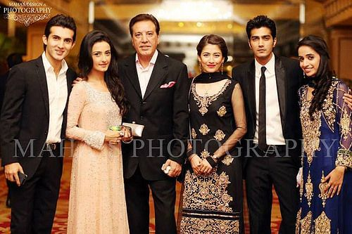 Famous Pakistani Celebrity Siblings Picture Gallery - YouTube