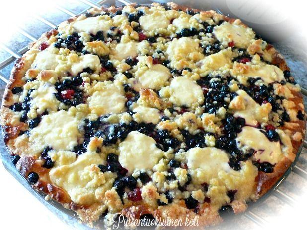 Ihana Mustikka-Vadelmapiirakka - Lovely Blueberry-Raspberry pie