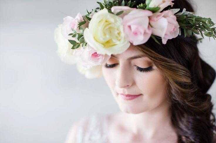 old-mill-bridal-shoot-bourbon-rose-floral-design-sarah-seven-eryn-shea-photography-ontario-bride-_0012