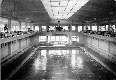 Pasión por Madrid: Una isla en el Manzanares Tenia tres piscinas una cubierta y dos exteriores una a proa y otra a proa, contaba con otros servicios como gimnasio