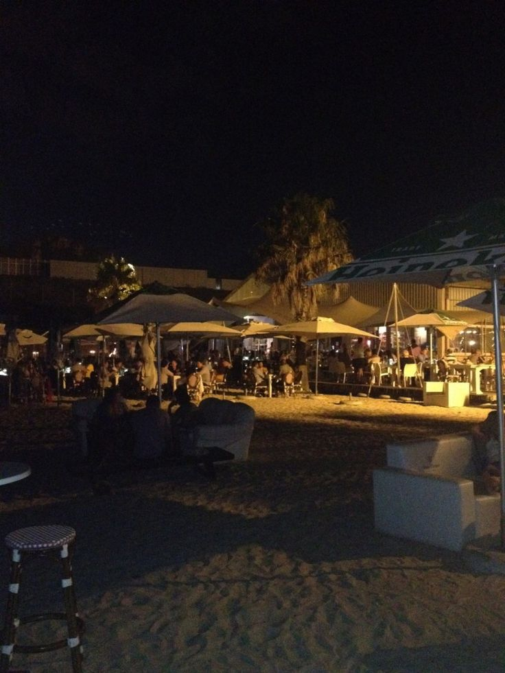 The Best of Cape Town Nightlife - The Grand Beach Restaurant
