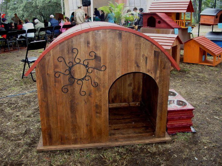 Casa de madera para perros estructura desarmable para - Casa de perro grande ...