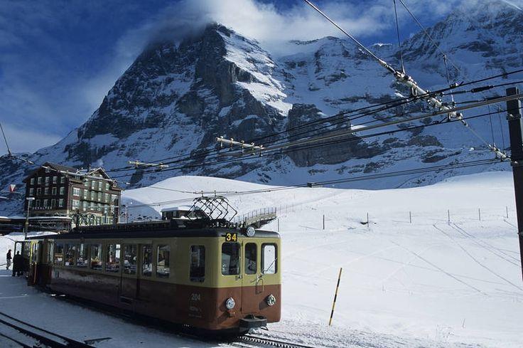 Alppijuna yhdistää kohteet sujuvasti. #TheAlps