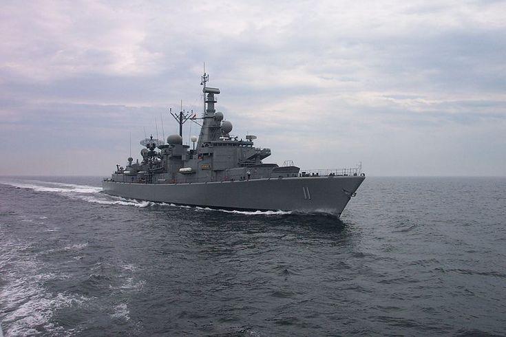 Capitán Prat (FFG-11)  La fragata Capitán Prat (FFG-11) es el quinto buque de la Armada de Chile en llevar el nombre de Arturo Prat. Fue adquirida a la Real Armada de los Países Bajos como parte del proyecto Puente II, el que contempla la renovación de los buques de combate de la Escuadra Nacional. Junto a su gemela, la Almirante Latorre, fueron diseñadas con una mayor capacidad antiaérea.