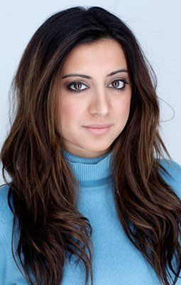 beautiful hair color and style (Noureen DeWulf)