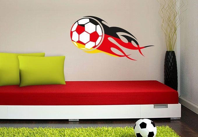 Wandtattoo Fußball mit Flammenschweif schwarz rot gold von K&L Wall Art