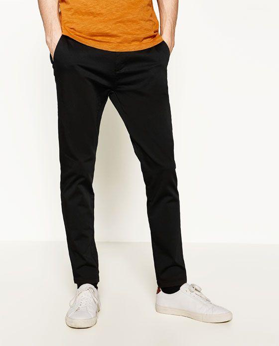 BASIC CHINOBUKSER fra Zara, 299 kr.