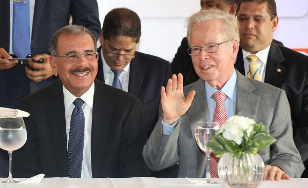 Danilo Medina dice periódico El Nacional es valiente defensor libertades públicas