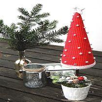Choinka na pniu stożek RED DOTS 60 cm, Boże Narodzenie - Christmas Tree by ArtMoss