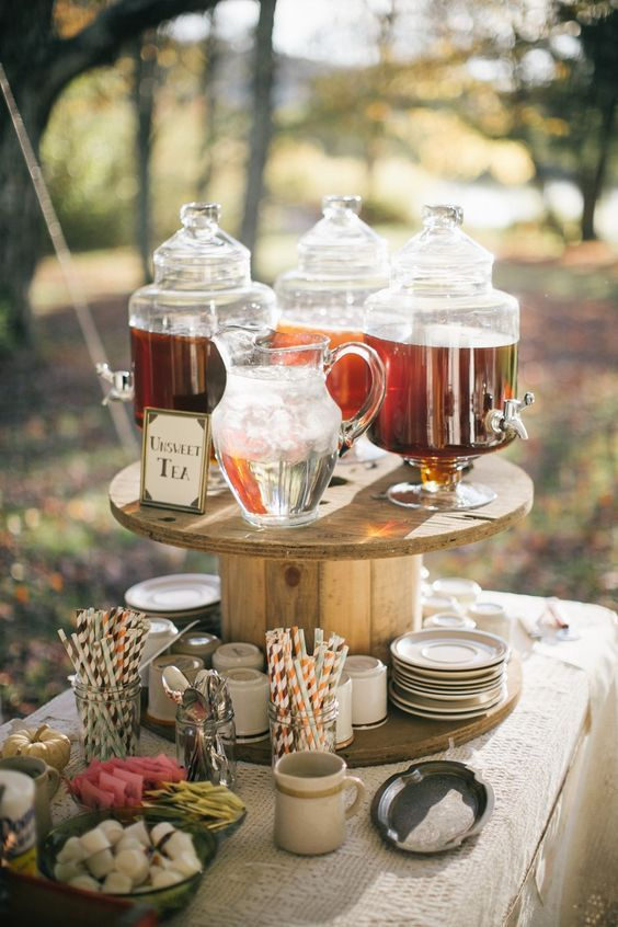 Autumn Wedding Drinks Bar / http://www.deerpearlflowers.com/country-rustic-fall-wedding-theme-ideas/
