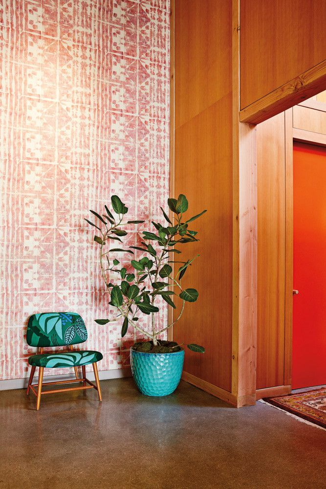 At the recently opened Bird boutique in Los Angeles, bold hues reflect the indie retailer's new West Coast home. Domino talked with Jennifer Mankins about her inspiration behind the design.
