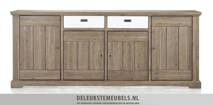 Dressoir Bandon 220cm van Happy@Home. Dit dressoir heeft vier deuren met daarachter een plank en twee laden. De laden zijn keerbaar waardoor je er dus ook een volledig houten kant van kan maken! Op die manier geef je dit dressoir een moderne touch. Bovendien geeft die dressoir veel opbergmogelijkheden. Snel leverbaar! http://www.deleukstemeubels.nl/nl/bandon-dressoir-225cm/g6/p1141/