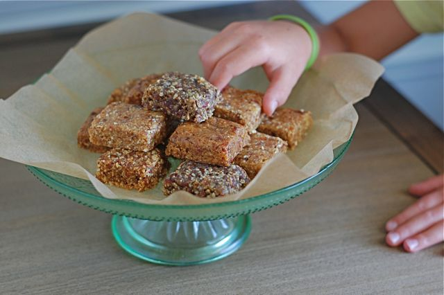 Recipe: Homemade Larabars (4 ways including nut-free!)