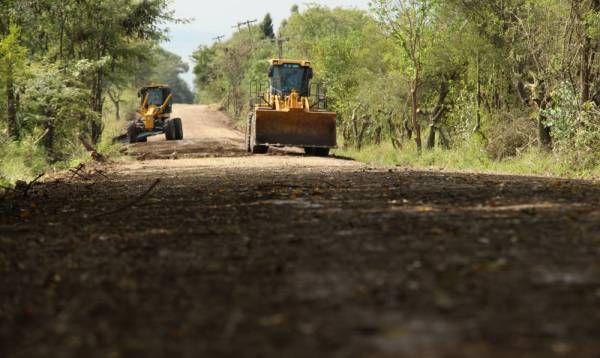 Zárate repara caminos rurales y optimiza la producción agropecuaria