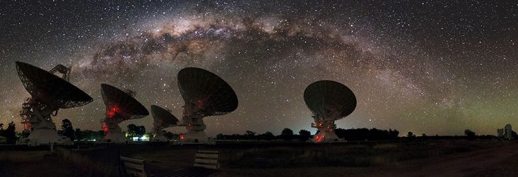 5 telescopes of the Australia Telecope Compact Array under the  Milky Way