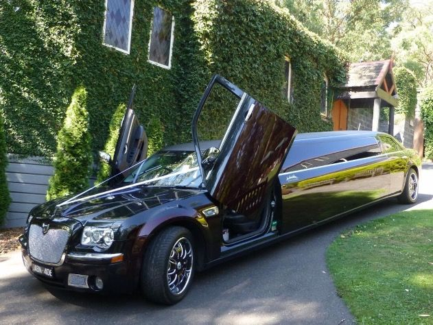 Hire Luxury Chrysler Limos In Perth Wa Limo Chrysler Limousine Limousine