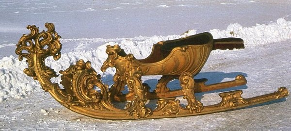 "This so-called Carrousel sled belonged to the court of Vienna.  They were used during the ""race"" sled, organized from the 17th century at the court of Vienna, in the ""days of sledding."""