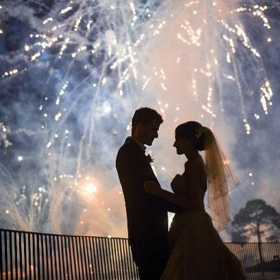 Wish there was fireworks every night in Hatton 👰🏽❤ #happilyevercapper #bride #disbride #bridalmusings #disneybride #disneyworldbride #epcot #illuminations #lovegoesround #thisfairytalelife