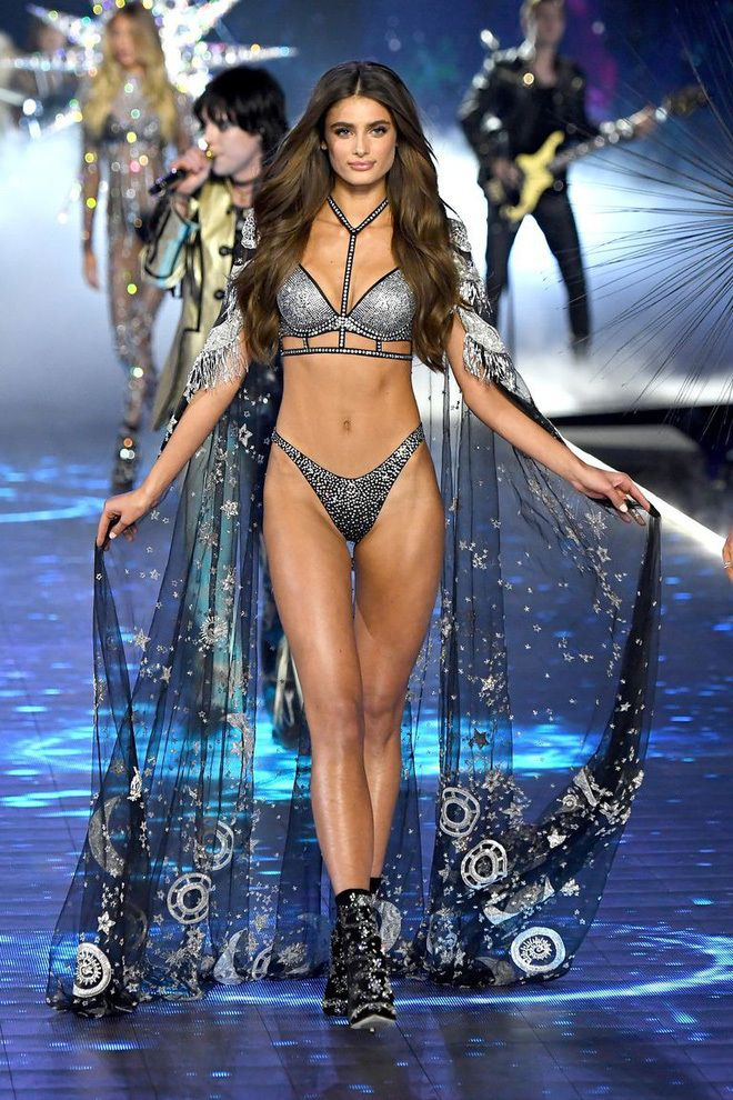390469bce00852 Victoria Secret Fashion Show 2018 – Top Impressive Bra Designs ...