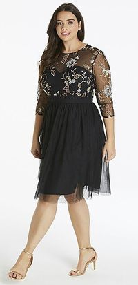 39 Plus Size Party Dressses with Sleeves - Plus Size Cocktail Dresses - alexawebb.com #alexawebb #plussize