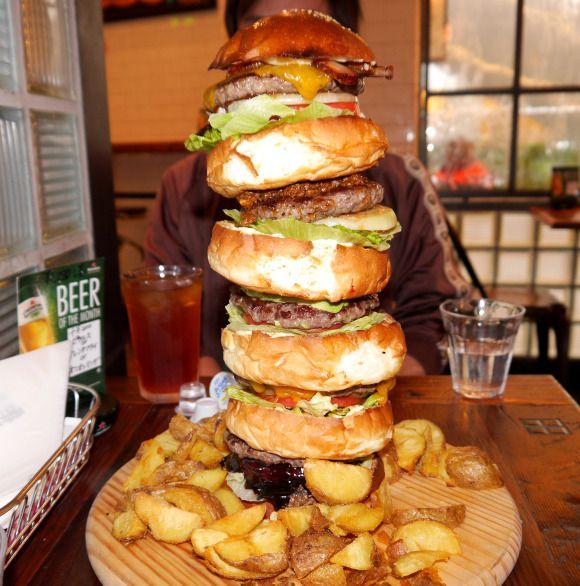 【デカ盛り】有名ハンバーガー店「As Classic Diner」のモンスターバーガーが超絶デカくてビビり上がった!!