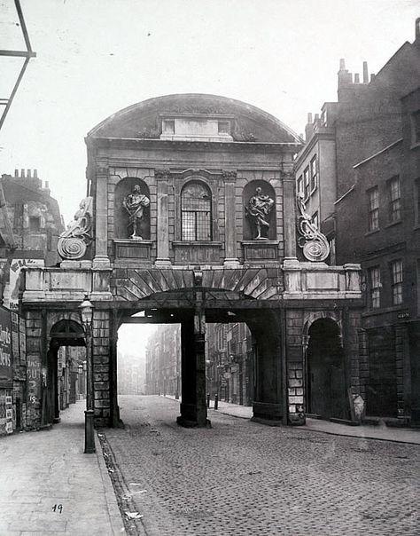 Temple Bar & Fleet Street, 1870. London.