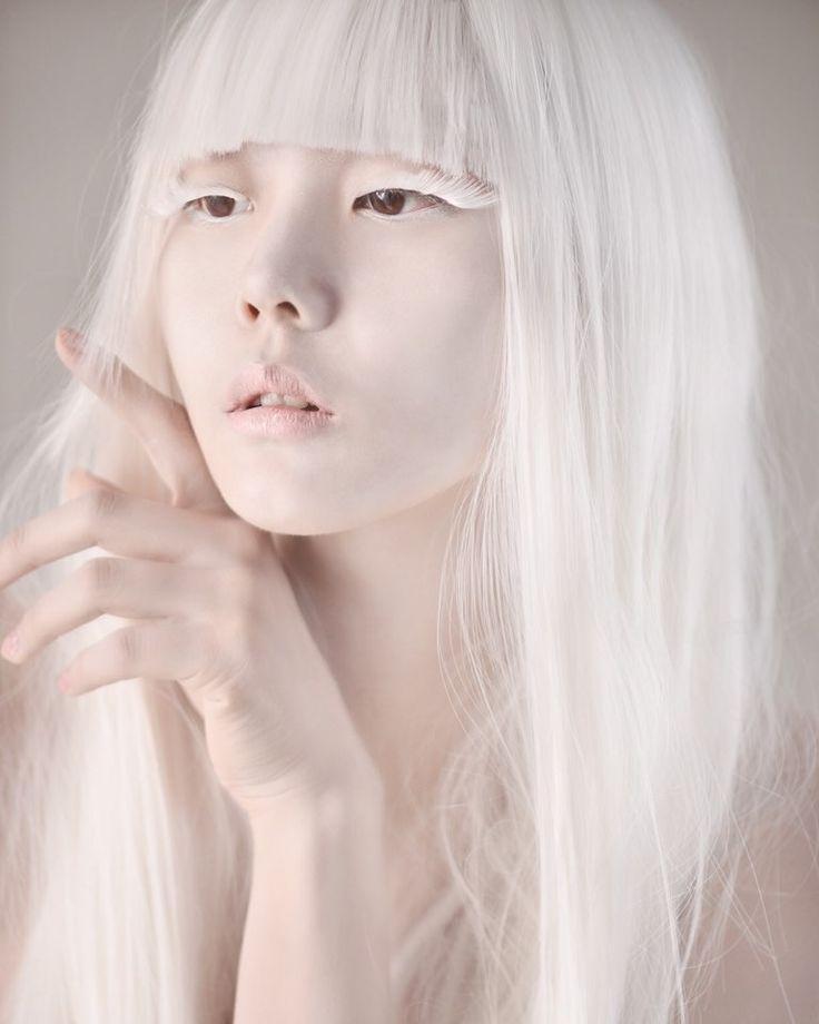 Albino japanese girl — pic 11