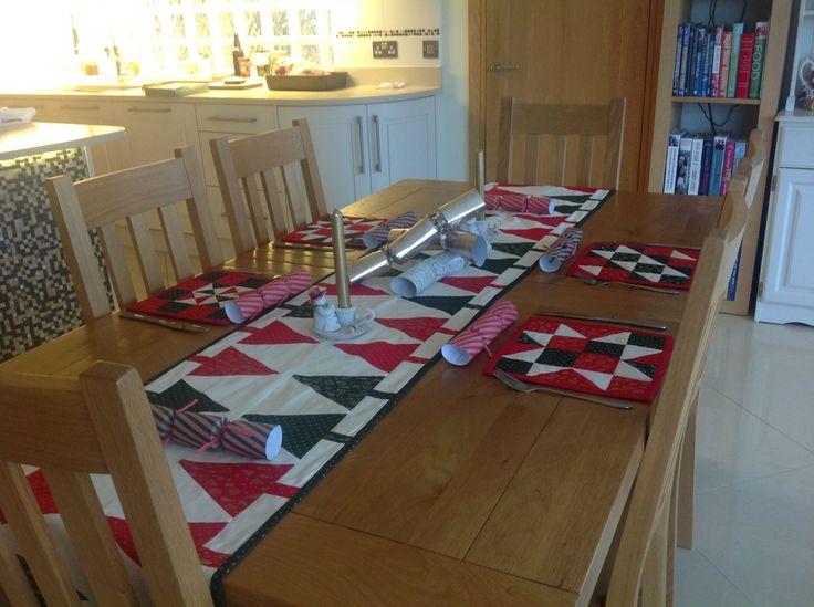 Christmas table runner and mats