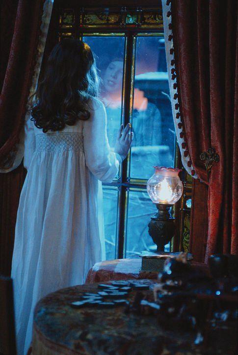 Waiting for Peter Pan - Rachel Hurd-Wood as Wendy Darling in Peter Pan Film 2003