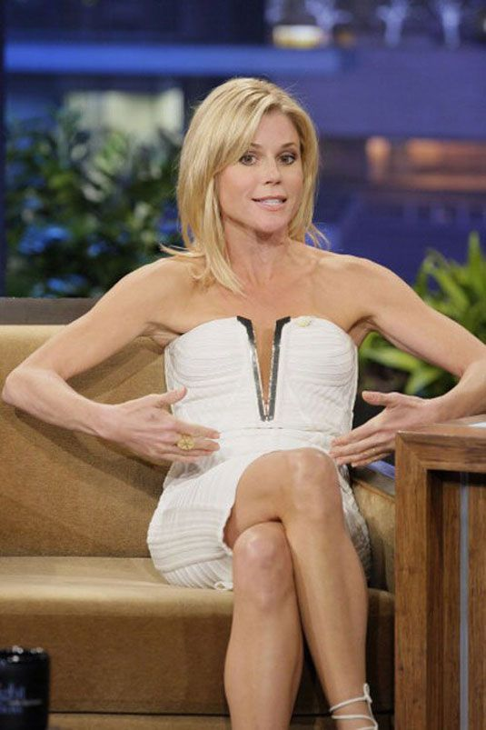 julie bowen - weird pic. I just like her hair.