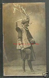 Sultan-South-Nias-photo-Nieuwenhuis-Indonesia-1918